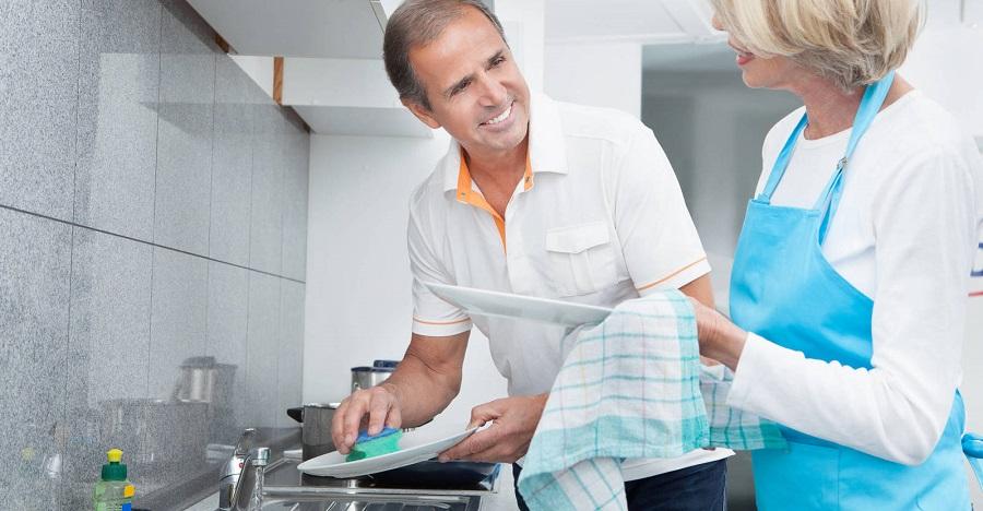✨ Beneficios de lavar los platos a mano